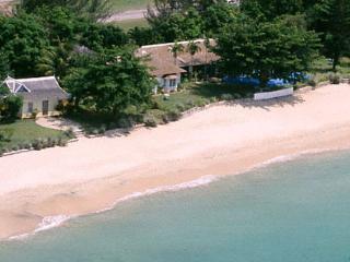 Bahia Cottage - Runaway Bay vacation rentals