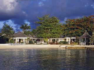 Sundown - Discovery Bay 9 Bedrooms Beachfront - Discovery Bay vacation rentals