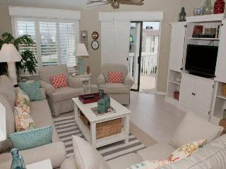 Nice 3 bedroom Apartment in Emerald Isle - Emerald Isle vacation rentals