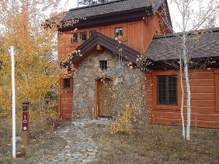 Rock Creek Cottage 10 - Two Bedroom, 2.5 Bath Cottage. Sleeps 6-7. Pet Friendly and WIFI. - Tamarack Resort vacation rentals