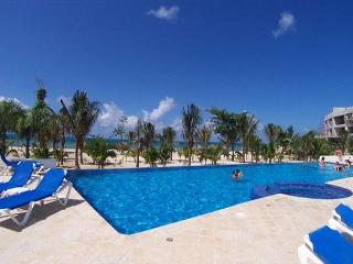 Ocean view unit. Very close to Beach. Great Price! Lovingly furnished - Cozumel vacation rentals