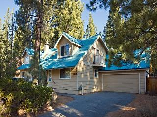 Large family home with counrty kitchen and hot tub - South Lake Tahoe vacation rentals