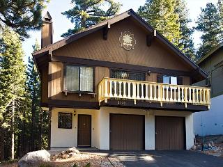 Spacious 3BR+Loft/2BA Chalet sleeps up to 10 - South Lake Tahoe vacation rentals