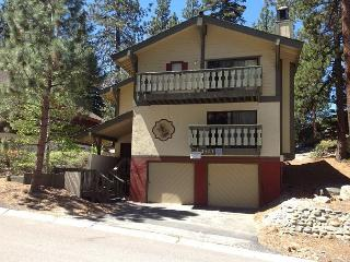 Charming updated chalet in Tahoe Tyrol - South Lake Tahoe vacation rentals