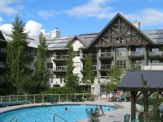 Luxury 2 bdm Ski in, ski out upgraded condo,hot tubs, pool, free internet - Whistler vacation rentals