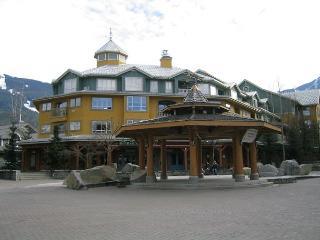1 bdm condo, prime village location, free internet, AC, hot tub available. - Whistler vacation rentals
