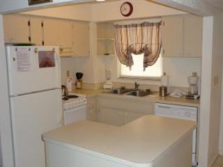 Kitchen area - Popular BAY VIEW Condo in nice Resort - Room for the Family! - Marco Island - rentals