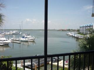 Impecable unit with beautiful Water views from private balcony - Marco Island vacation rentals