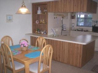 Kitchen and Dinning - Spacious multi-level unit with great Bay Views and close to Town - Marco Island - rentals