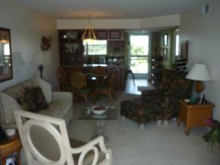TROPICAL decor awaits in this lovely condo located in Popular Resort - Marco Island vacation rentals