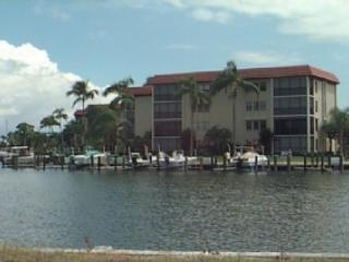 Cozy Waterfront Site Near Beach - Breezy Point 202 - Marco Island - rentals