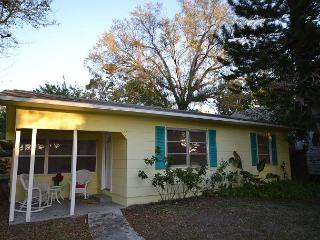 Birds of Paradise bungalow -Cozy home in the heart of Gulfport, pet friendly - Florida North Central Gulf Coast vacation rentals