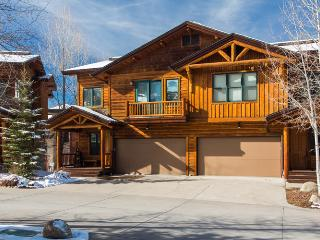 Mountaineer: Private HotTub. Discount Lift Tix* - Steamboat Springs vacation rentals