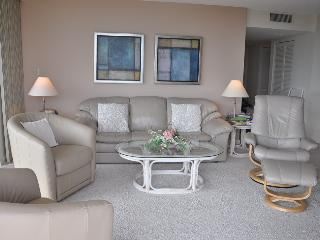 Living Area - Royal Seafarer - RS1002 - Great Beachfront Condo! - Marco Island - rentals