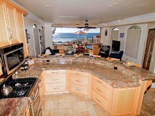 4br/4ba Beautiful Oceanfront Condo, Patio, Spa, BBQ, Designer Decorated - Oceanside vacation rentals