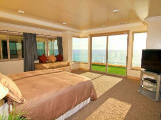 7br/7ba Luxury Oceanfront Retreat, Decks, Spa, BBQ, Designer Decorated & A/C - Oceanside vacation rentals