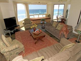 Luxury Oceantfront Condo, 6br/5ba, Spa/Rooftop deck, P908-4R - Oceanside vacation rentals