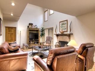 Beautiful 3 bedroom House in Santa Fe with Dishwasher - Santa Fe vacation rentals