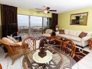 ETW 1004:UPDATED beach front 1BR, FREE beach service, GOLF, SNORKELING daily - Fort Walton Beach vacation rentals