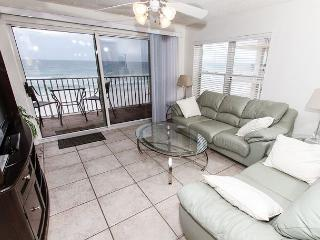TP 401: Delightful corner unit- beachfront,HDTV,WIFI,FREE BEACH SERVICE - Fort Walton Beach vacation rentals