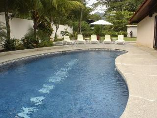 Beachfront home in south Jaco, pool, grill, WiFi, yard, hammock, walk to town - Jaco vacation rentals