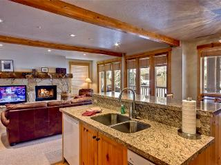 Cozy Condo with Deck and Satellite Or Cable TV - Deer Valley vacation rentals