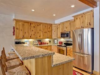 Cozy Condo with Deck and Dishwasher - Deer Valley vacation rentals