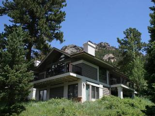 The Adams at Windcliff: Panoramic RMNP Views, Steps from Park, Wildlife - Estes Park vacation rentals