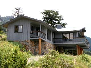 The Kintzle at Windcliff: Panoramic RMNP Views, 4 Bdrms, Close to YMCA, Wildlife - Estes Park vacation rentals