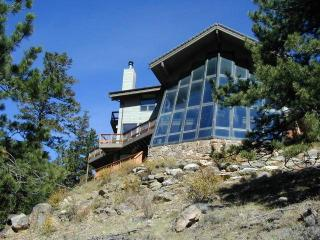 The Sponsel at Windcliff: Panoramic RMNP Views, 4 Bdrms, Hot Tub, Wildlife - Estes Park vacation rentals