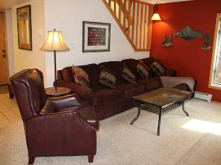 CC200 Fantastic Condo w/ Wifi, Fireplace, Clubhouse, 2 Blocks Off Main St. - Frisco vacation rentals