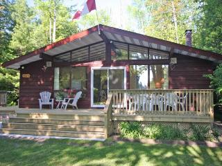 Bright Cottage with Deck and Internet Access - Sauble Beach vacation rentals