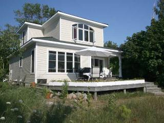 Nice 3 bedroom Point Clark Cottage with Deck - Point Clark vacation rentals