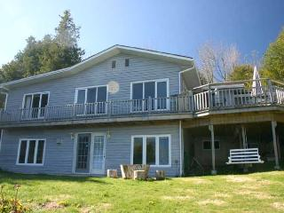 3 bedroom Cottage with Deck in Wiarton - Wiarton vacation rentals