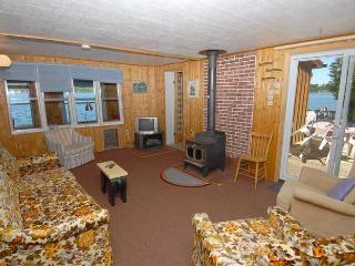 Cozy 3 bedroom Vacation Rental in Sauble Beach - Sauble Beach vacation rentals