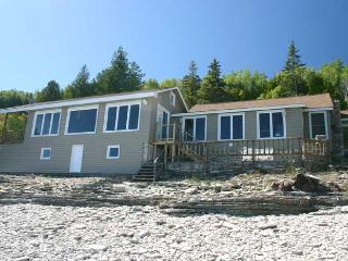 3 bedroom Cottage with Deck in Dyers Bay - Dyers Bay vacation rentals