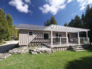 Northern Comfort cottage (#17) - Lions Head vacation rentals