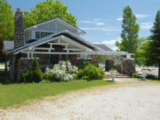 4 bedroom Cottage with Deck in Owen Sound - Owen Sound vacation rentals