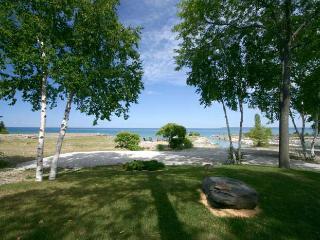 2 bedroom Cottage with Deck in Owen Sound - Owen Sound vacation rentals