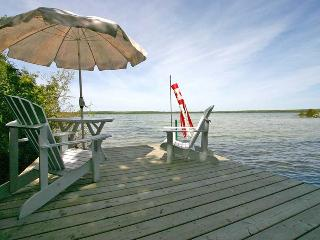 Bright 4 bedroom Cottage in Wiarton - Wiarton vacation rentals