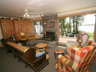 Nice Cottage with Deck and Television - Wiarton vacation rentals