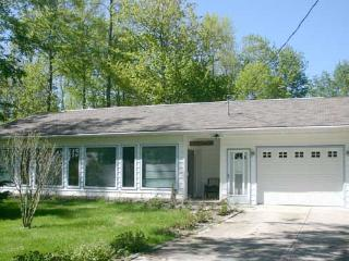 4 bedroom Cottage with Television in Point Clark - Point Clark vacation rentals