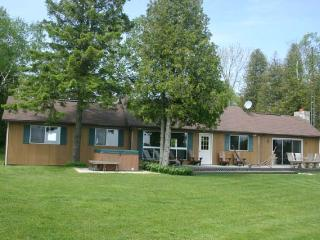 Sandy Cove cottage (#359) - Bruce Peninsula vacation rentals