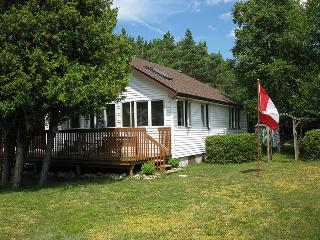 Perfect 3 bedroom Sauble Beach House with Internet Access - Sauble Beach vacation rentals