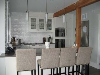 Nice 6 bedroom Sauble Beach Cottage with Deck - Sauble Beach vacation rentals