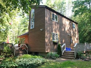 Lovely 4 bedroom Cottage in Point Clark - Point Clark vacation rentals