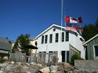 Lovely 4 bedroom Cottage in Kincardine - Kincardine vacation rentals