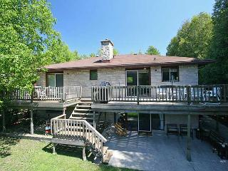 Nice Cottage with Deck and Internet Access - Sauble Beach vacation rentals