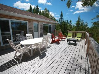 Nice 3 bedroom Cottage in Bruce Peninsula with Deck - Bruce Peninsula vacation rentals
