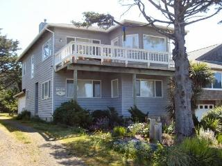 Anderson Trail House is a 3 bedroom 2 bath 2-story Ocean-view home just steps to the beach Sleeps 8 - 35589 - Cannon Beach vacation rentals